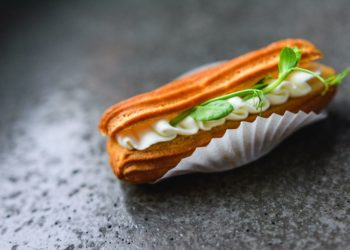Fresh cheese filling eclair