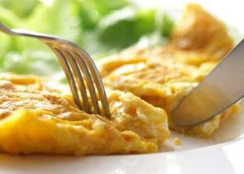 Omelette with cream of processed cheese